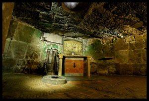 La Cárcel Mamertina se transformó rápidamente en un centro petrino de devoción - Roma 3