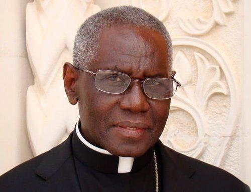 Cardenal Sarah: La crisis de la fe no se resuelve reduciendo su exigencia