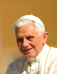 Benedicto XVI volverá al Vaticano el primero de mayo 1