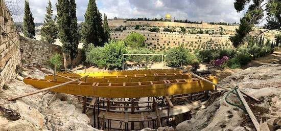 Una nueva cubierta en la gruta del Eremitorio de Getsemaní la embellece y facilita la oración bajo el sol 1