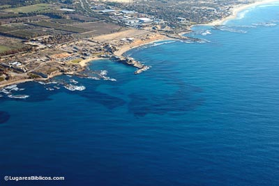 Cesarea-aerial-from-northwest-tb121704937-lugaresbiblicos.jpg