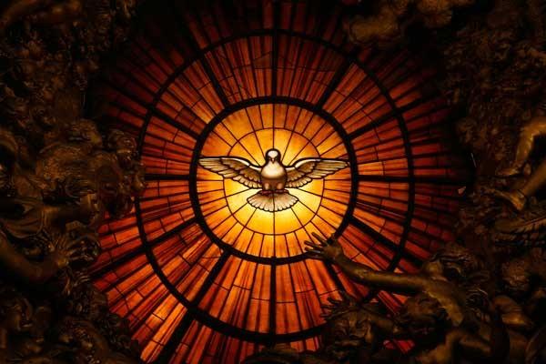 """5º Día Decenario al Espíritu Santo - """"El Espíritu Santo está en medio de nosotros"""" 1"""