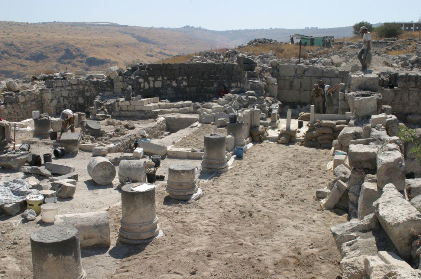 Israel: Arqueólogos creen haber hallado la tumba de una santa desconocida, en Hippos-Sussita 2
