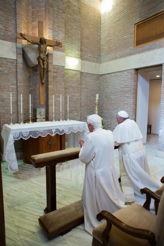 Benedicto XVI ya vive en el Vaticano 1