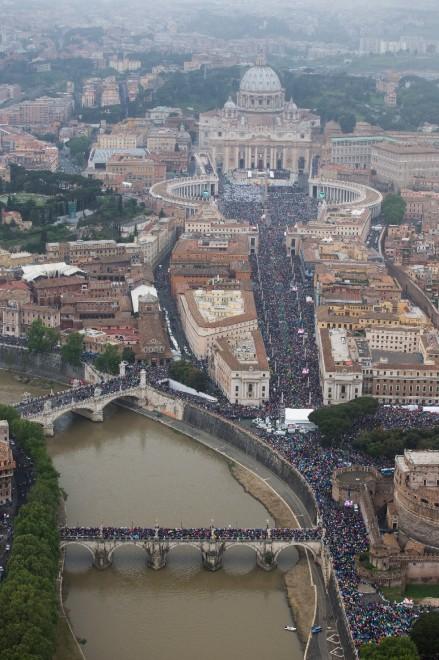 Novedad absoluta en Roma: devoción y recogimiento en calles y plazas 1
