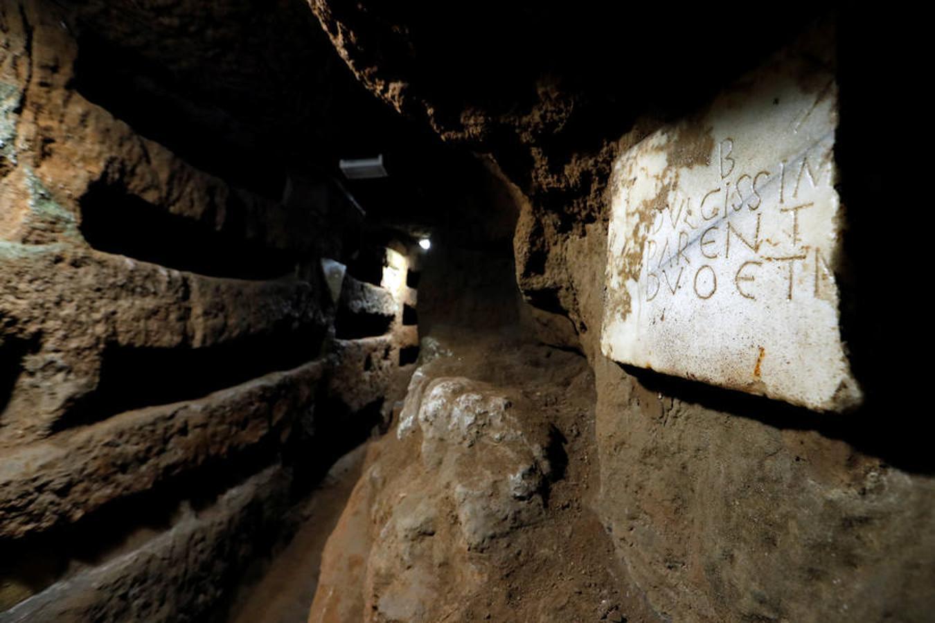 El láser devuelve el esplendor a los frescos de las Catacumbas de Domitila - #Roma 2