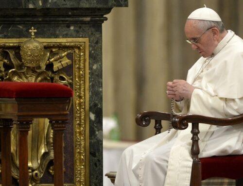 """Francisco inaugura """"maratón de oración"""" por el fin de la pandemia"""