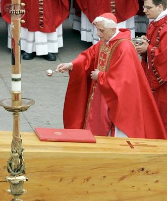 Entrevista a Benedicto XVI sobre Juan Pablo II. Su coraje, santidad y desafíos. 3