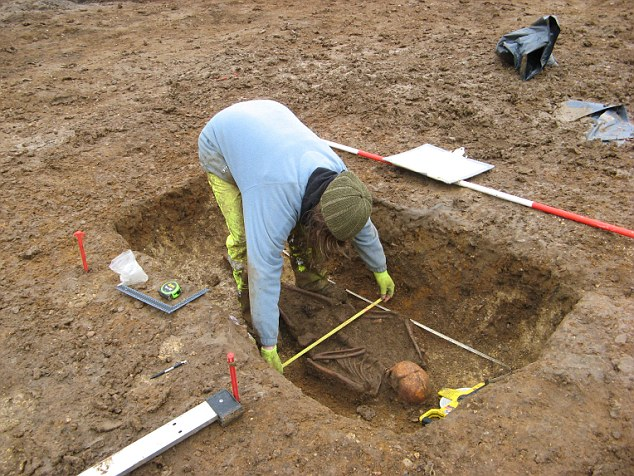 Descubierto enterramiento de los primeros cristianos de Inglaterra 2