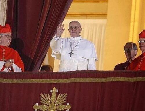 Elección de Francisco y primeras palabras como Papa – 13 de marzo 2013