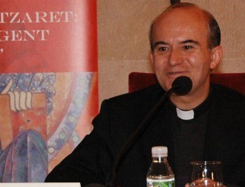 El sentido del sacerdocio cristiano – Francisco Varo, experto en Sagrada Escritura