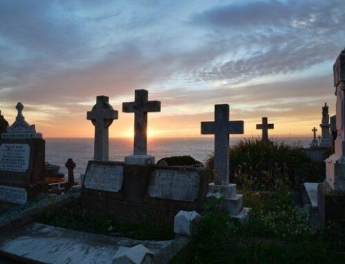 El sentido positivo de la muerte del cristiano  –  Mes de Noviembre