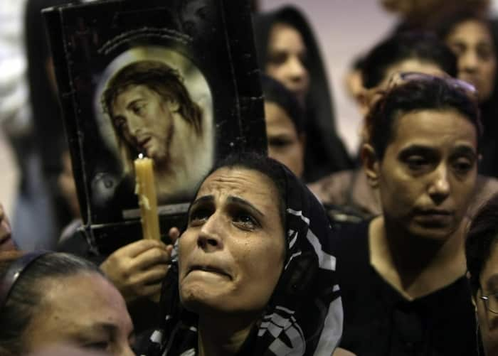 """Emocionante canto de la oración a la Virgen, """"Bajo tu amparo"""" en árabe - por los cristianos perseguidos 1"""