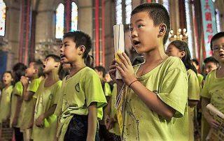 Prohíben en China que los niños puedan asistir a misa 6