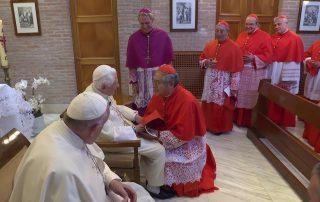 Benedicto XVI se reúne con los 14 nuevos cardenales 1