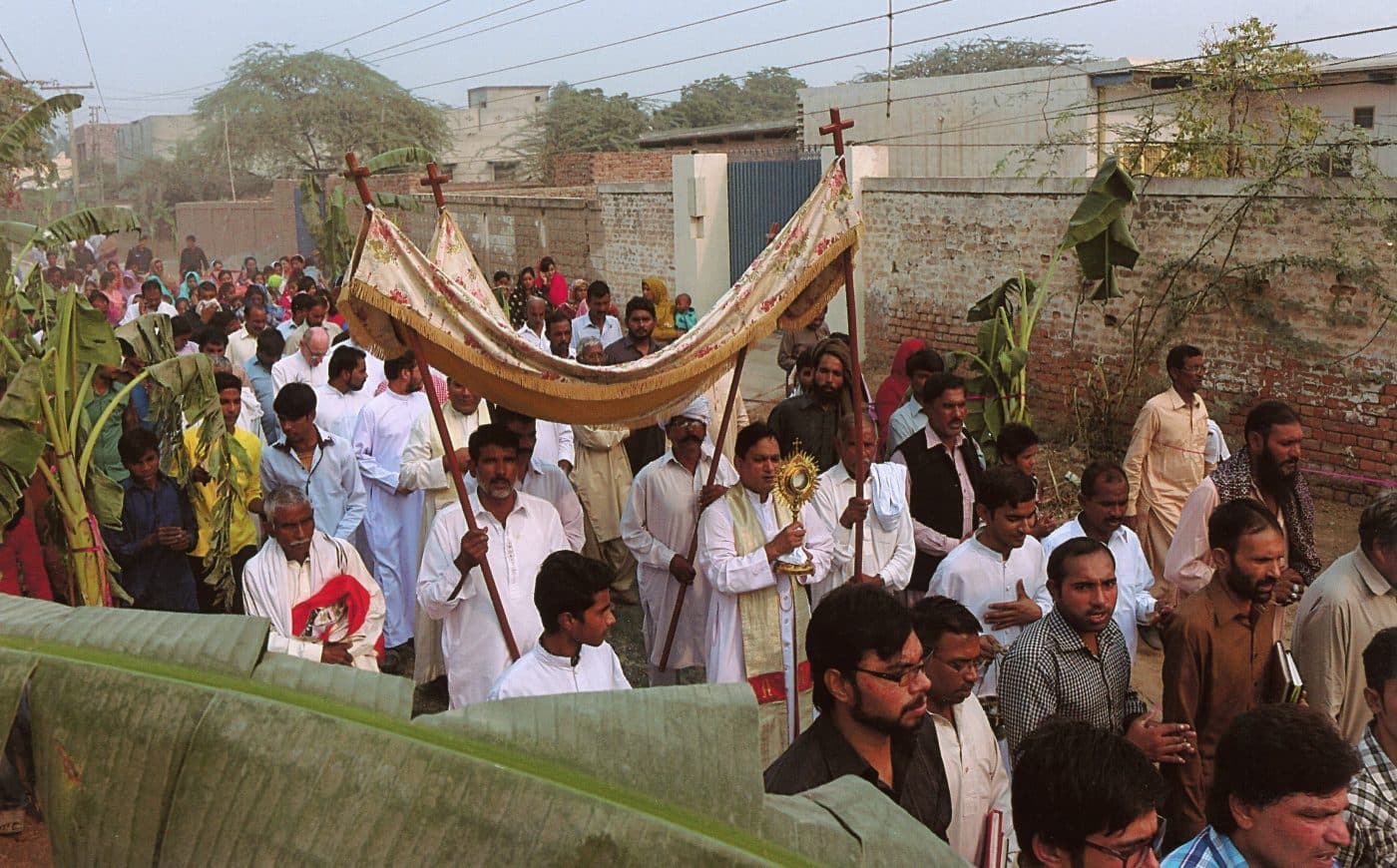 Pakistan Christian is thrown off roof for refusing to embrace Islam