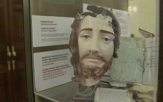 Un sagrario tiroteado o un Cristo decapitado, los restos de la persecución a los cristianos en Oriente 2