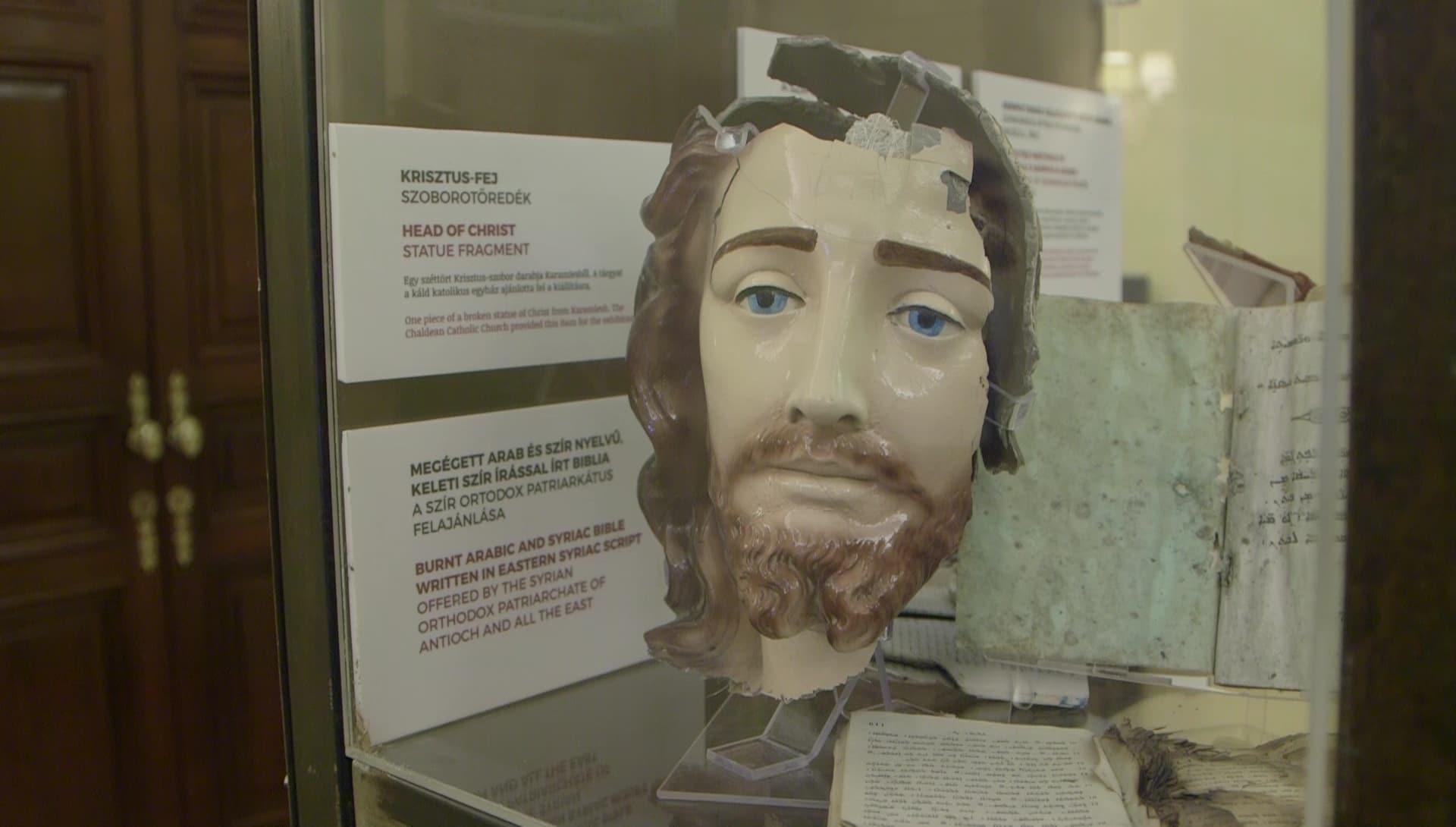 Un sagrario tiroteado o un Cristo decapitado, los restos de la persecución a los cristianos en Oriente 1