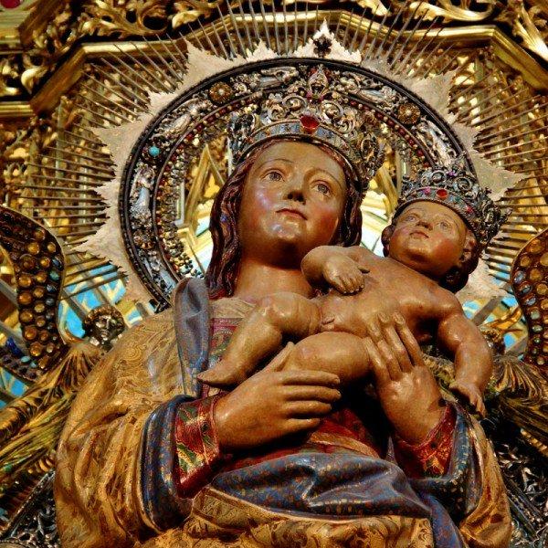 La Virgen de la Almudena - 9 de noviembre 1