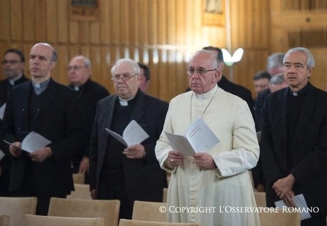Francisco y los responsables de la Curia comienzan sus ejercicios espirituales 1