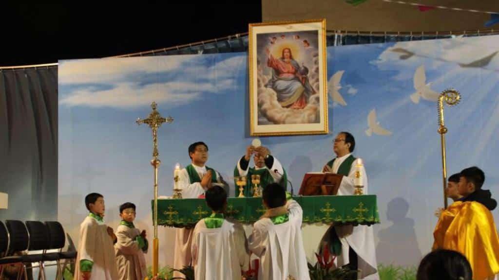 """Católicos chinos, meses de """"reconciliación"""" en la diócesis de Baoding 1"""
