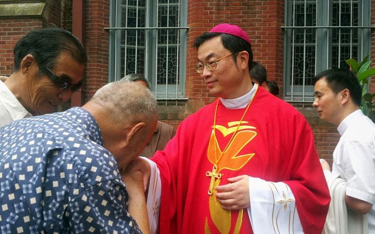 Obispo de Shanghai, recluido desde 2012, publica oración a Nuestra Señora de Sheshan 1