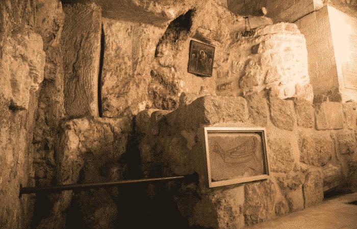 El exvoto más antiguo de Jerusalén - en la Basílica del Santo Sepulcro 1