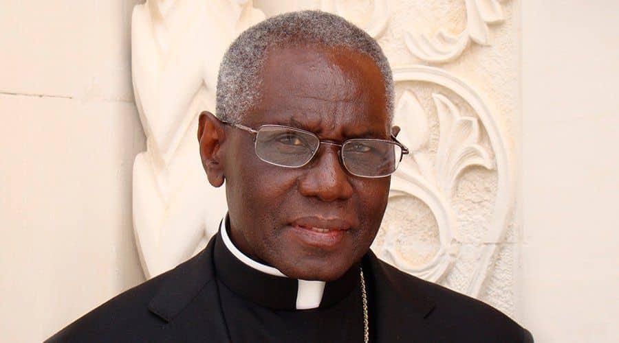 Cardenal Sarah: La crisis de la fe no se resuelve reduciendo su exigencia 1