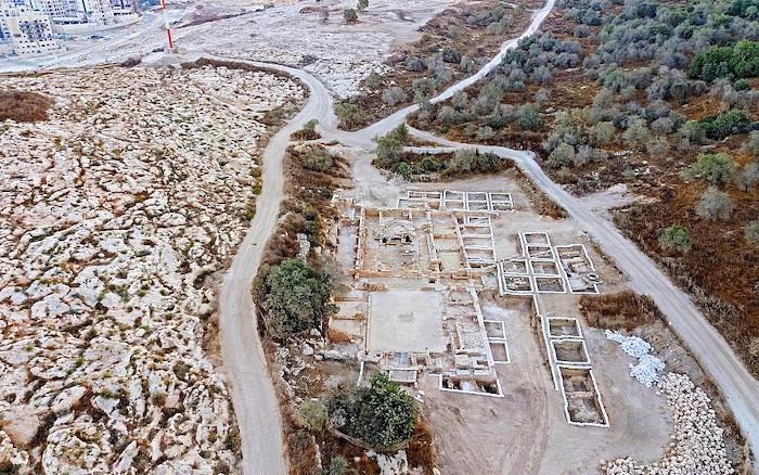 "Arqueólogos descubren una antigua iglesiaI dedicada al ""Glorioso Mártir"" - cerca de Jerusalén 1"