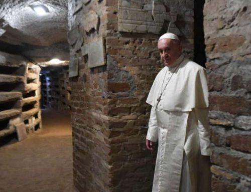 El Papa en las Catacumbas de Priscila – «hoy hay más cristianos perseguidos que en los primeros siglos»