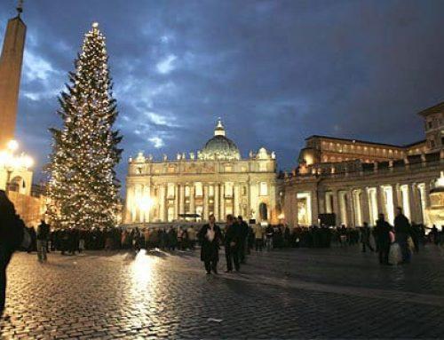 La Navidad llega al Vaticano con el pesebre y el árbol de la plaza de San Pedro