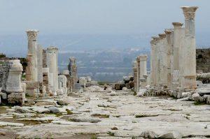 Laodicea - Una de las 7 iglesias del Apocalipsis 4
