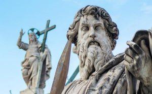Estatua de San Pablo en la ciudad del Vaticano