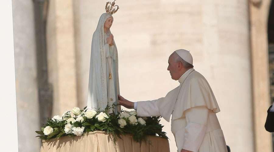 """""""Rezar el Rosario en el mes de Mayo"""" - Carta del Papa Francisco a los católicos 1"""