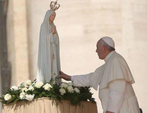 """""""Rezar el Rosario en el mes de Mayo"""" – Carta del Papa Francisco a los católicos"""