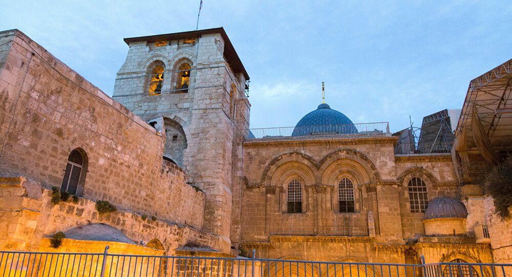 Reabre el Santo Sepulcro de Jerusalén 1