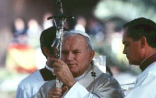 """""""San Juan Pablo II arrastraba por su honestidad transparente"""" - George Weigel 1"""
