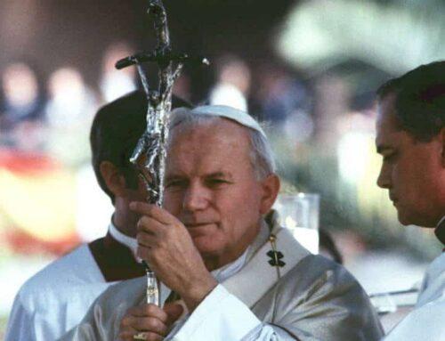 """""""San Juan Pablo II arrastraba por su honestidad transparente"""" – George Weigel"""