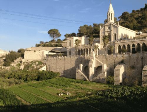 El santuario de Santa María, Huerto cerrado – Tierra Santa