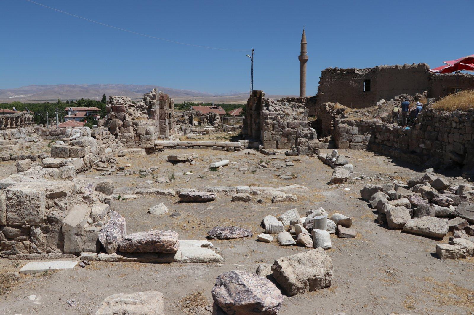 Descubierta una iglesia del siglo IV en la antigua ciudad turca de Tyana 1