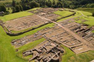Hallan una copa con grafitis cristianos del siglo V - excavación del Muro Adriano (Britania) 2