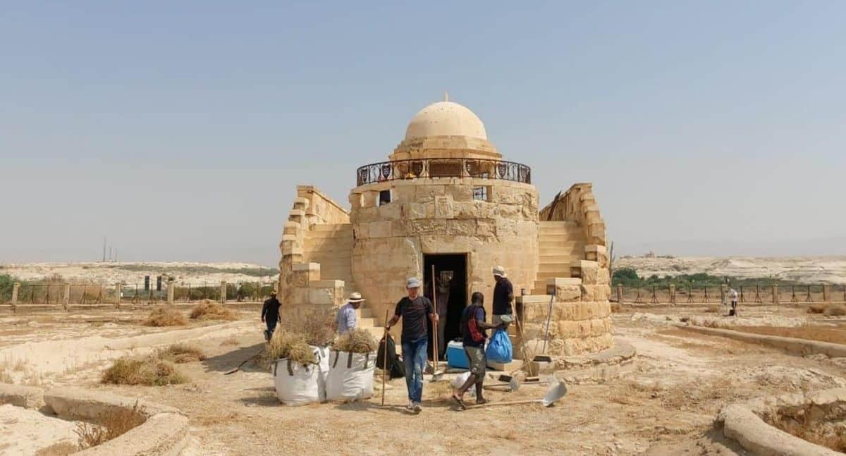 Río Jordán - Iglesia franciscana del Bautismo de Jesús ha sido reabierta 1
