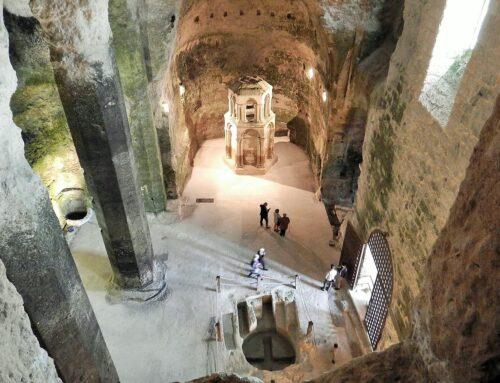 La impresionante iglesia subterránea de Aubeterre-sur-Dronne, cuyo origen pudo ser un templo a Mitra
