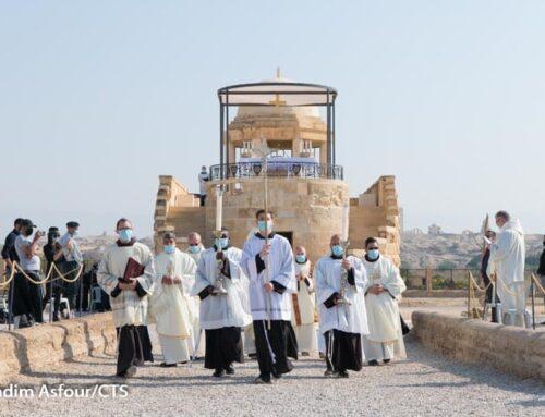 """""""De campo de minas a lugar de oración"""" – celebración del bautismo de Jesús en el Jordán"""
