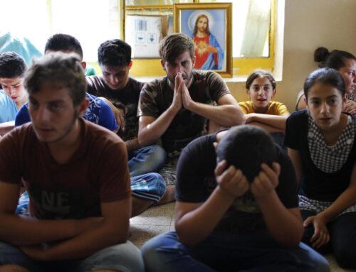 """Cristianos iraquíes esperan al Papa: """"Unidos en oración en nuestra tierra llena de mártires"""""""