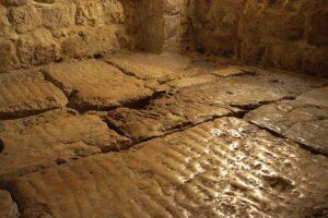 """El """"Litóstrotos"""", lugar donde Jesús fue condenado- Iglesia de la Condenación 4"""