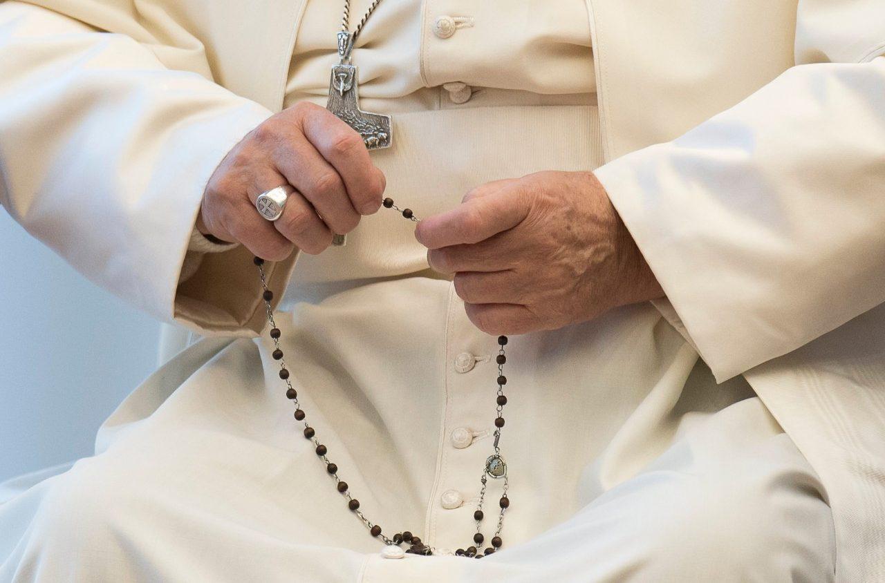 El Papa impulsa el rezo del Rosario diario durante el mes de mayo 1