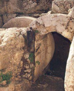 ¿Cómo fue sellado el Sepulcro de Jesús? 4