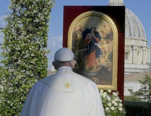 Los 5 nudos que el Papa le pide a la Virgen que desate