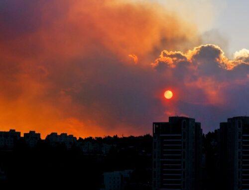 Un incendio en Jerusalén desde el 15 de agosto obliga a evacuar 10.000 personas